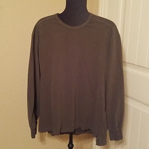 IZOD dark green long sleeve t-shirt